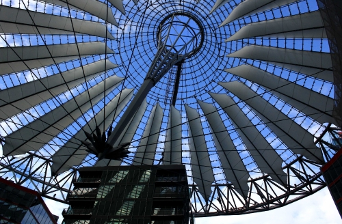 IMG_3433 Berlin Sony Center by day